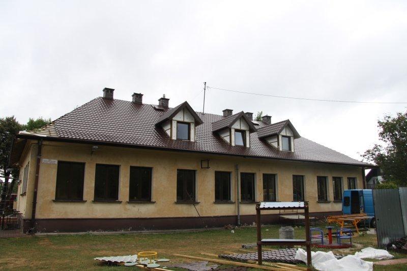 Wymiana pokrycia dachowego na budynku Miejskiego Przedszkola nr 3 w Dęblinie.