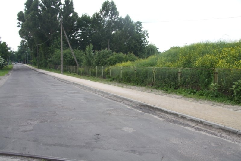 Modernizacja chodnika w ul. Towarowej w Dęblinie.