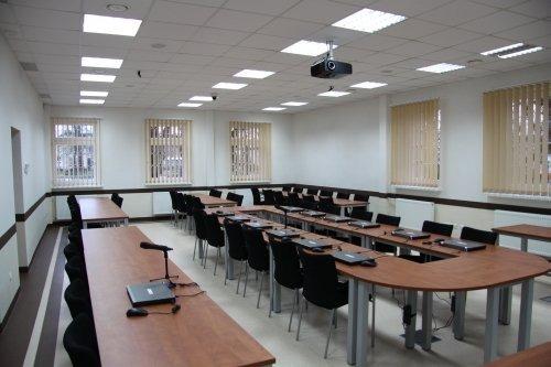 Remont sali konferencyjnej w Urzędzie Miasta Dęblin z przeznaczeniem na Telecentrum.