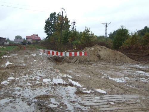 Budowa sieci wodociągowej i kanalizacyjnej w ul. bocznej Słowackiego w Dęblinie.