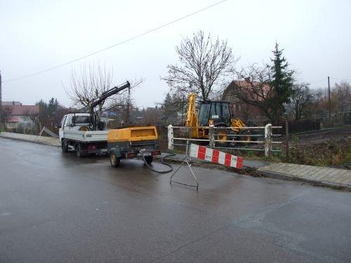 Budowa sieci wodociągowej w ul. Nadrzecznej w Dęblinie.