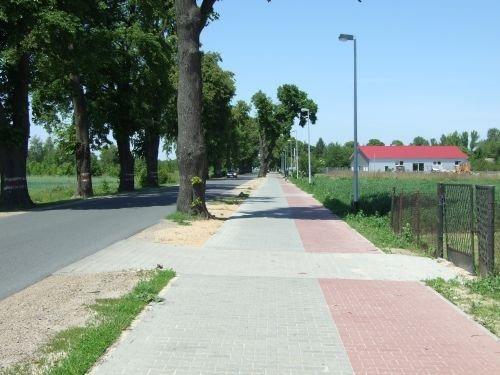 Budowa oświetlenia ścieżki pieszo-rowerowej w pasie drogi wojewódzkiej nr 801 odc. słup nr 26-45 prz