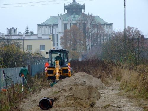 Budowa kanalizacji sanitarnej w ul. Hładuniaka w Dęblinie.