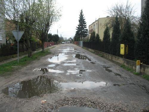 Modernizacja infrastruktury drogowej osiedla Wiślana - Żwica w Dęblinie - przebudowa ulicy Mikołaja