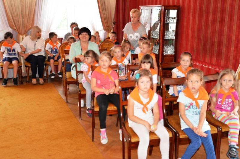 Przedszkolaki w ratuszu miejski