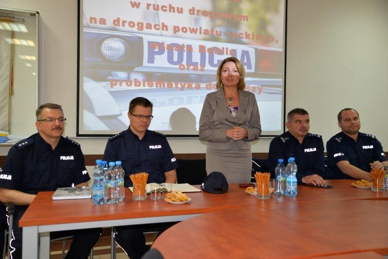 Debata na temat bezpieczeństwa w ruchu drogowym