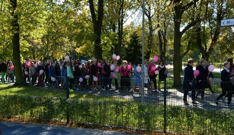 Różowe wstążki przemaszerowały przez Dęblin