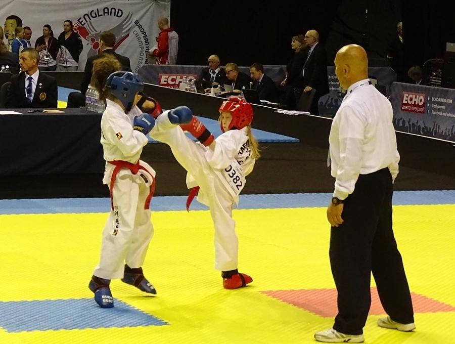 Nadia Dąbrowska z Dęblińskiej Szkoły Taekwon-do brązową medalistką Mistrzostw Europy w Taekwon-do IT