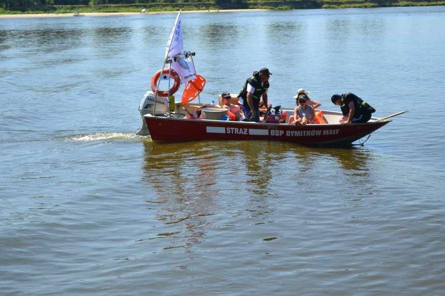Dęblin powitał kolejna już grupę spływających Wisłą.