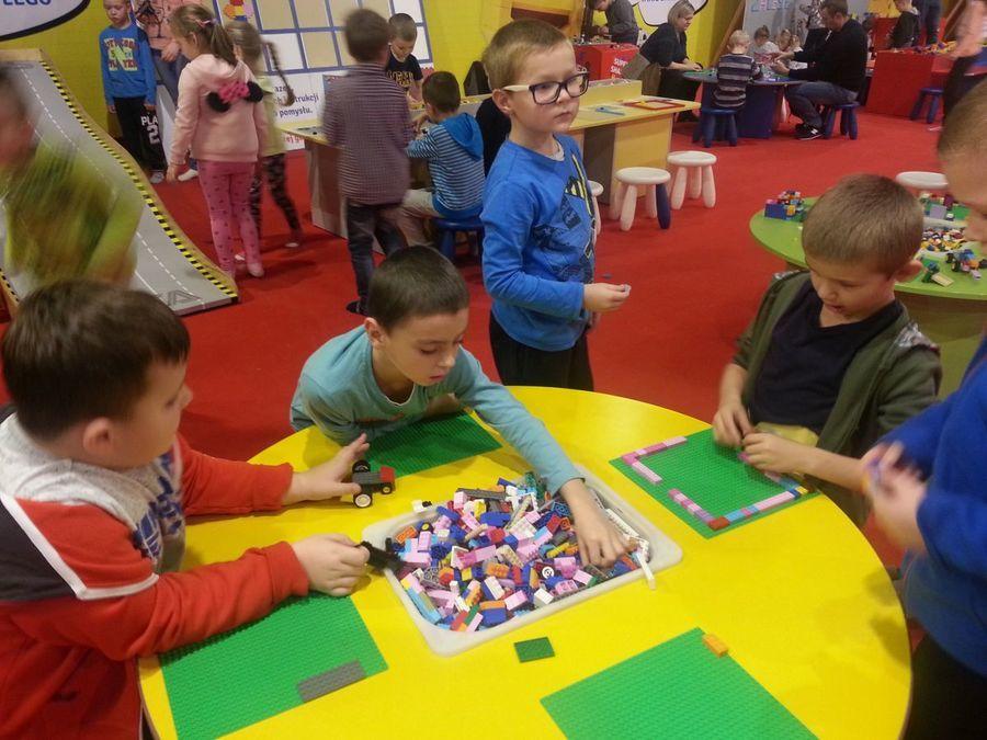 Maluchy ze SP nr 5 na wystawie LEGO