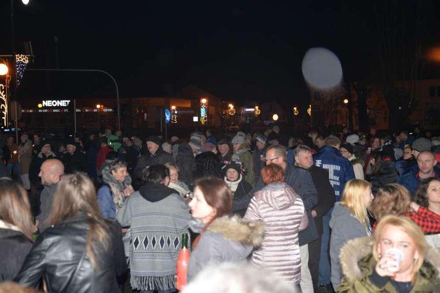 Sylwestrowa noc 2017/2018 z Miastem Dęblin