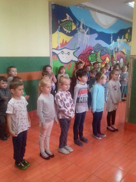 APEL KLAS 0-III SP NR 5 PODSUMOWUJĄCY PRACĘ W I SEM. ROKU SZKOLNEGO 2017/2018