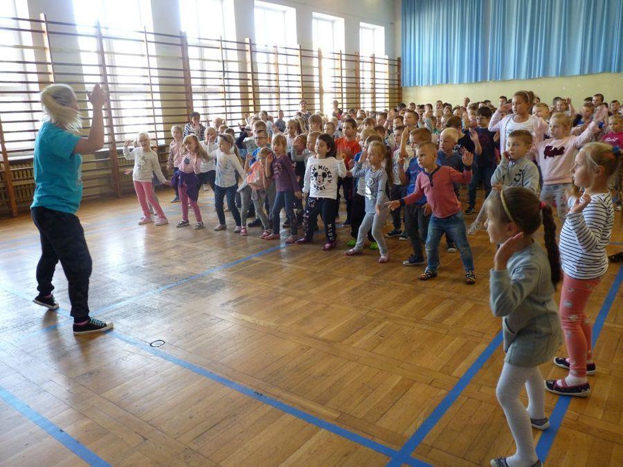Tanecznym krokiem w SP nr 5