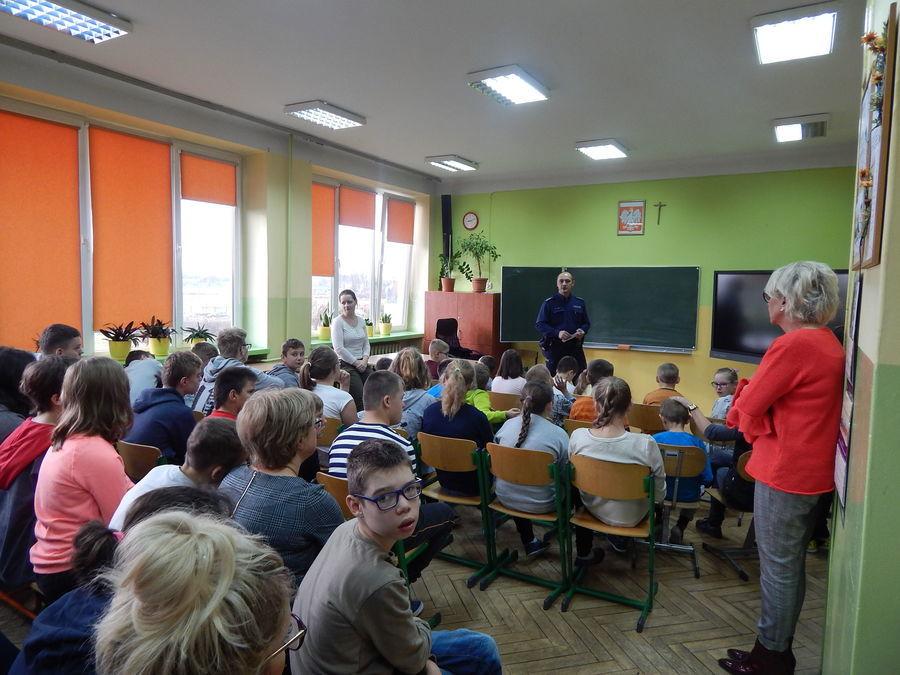 Spotkanie z przedstawicielem Komisariatu Policji w Dęblinie.
