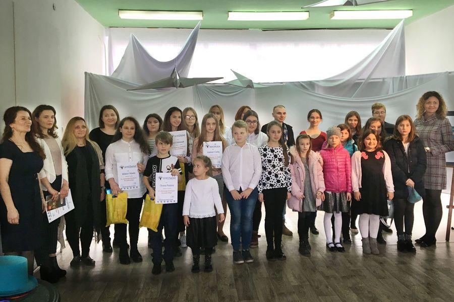 Uczennice SOSW w Dęblinie na 22 Jesiennym Konkursie Recytatorskim w MDK w Dęblinie