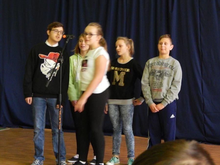 Konkurs piosenki o zwierzętach w SOSW w Dęblinie