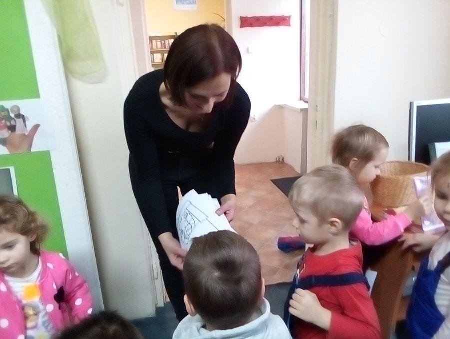 Wszystko o teatrze lalek – wizyta przedszkolaków w bibliotece