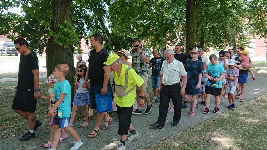 Dni Dęblina 2019 -  zwiedzanie cytadeli Twierdzy Dęblin przez uczestników X Dęblińskiego Dnia Zrównoważonego Transportu