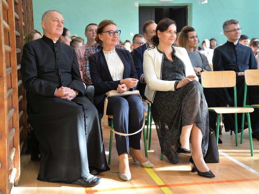 2019-10-16- Wręczenie stypendium Jana Pawła II w SP nr 2