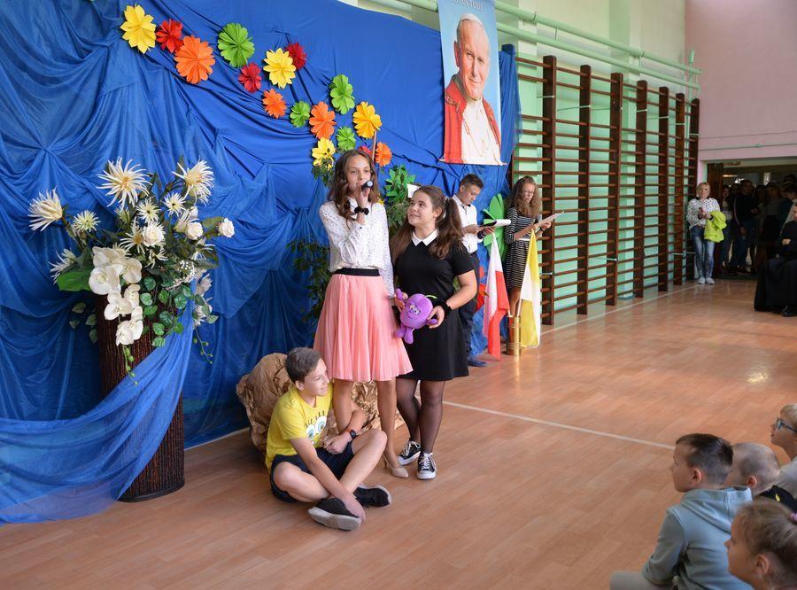 2019-10-16- Wręczenie stypendium Jana Pawła II w SP nr 4