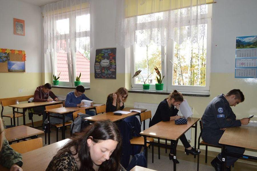 Uczeń ZSO w Dęblinie laureatem etapu powiatowego  V Regionalnej Olimpiady Wiedzy o Zdrowiu Psychicznym