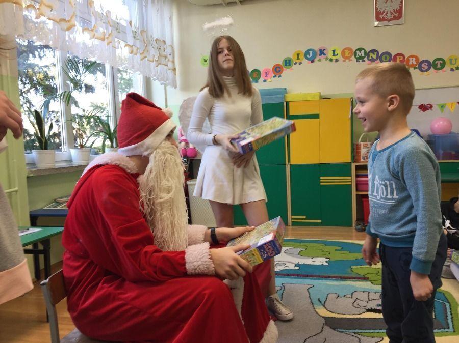 Mikołaj w SP 4