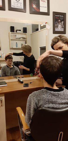 Z wizytą w salonie fryzjerskim