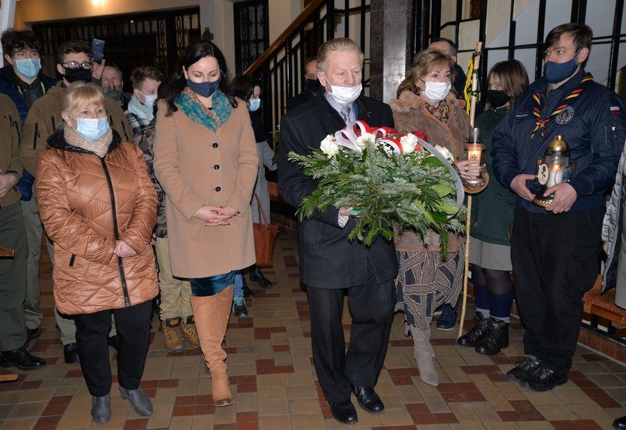 Delegacja władz podczas uroczystości