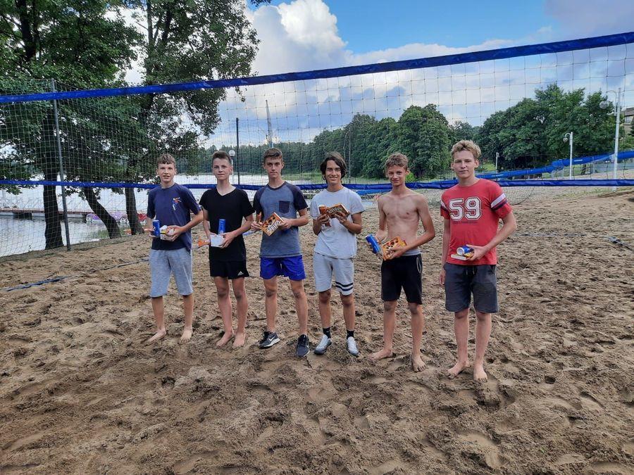 Turniej Siatkówki Plażowej kat. klas VII - VIII i Szkoła Średnia