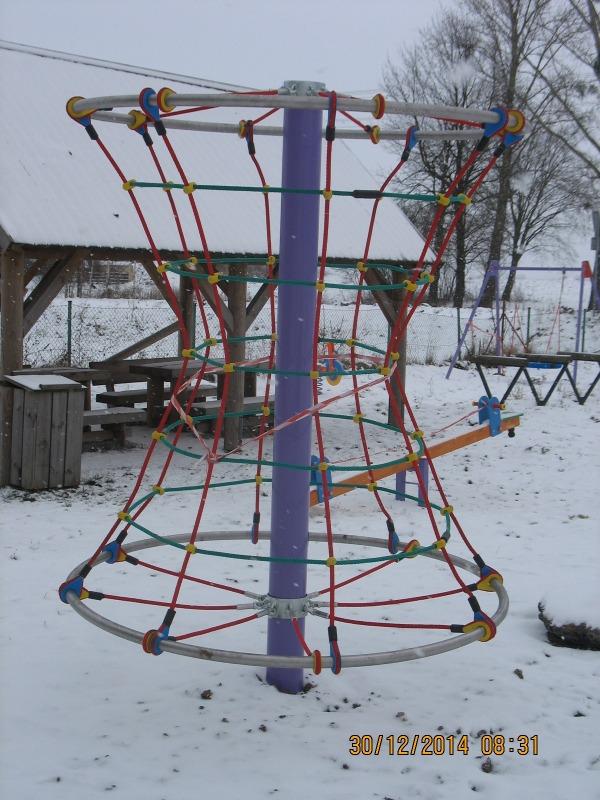 Plac zabaw w Piotrowicach Wielkich