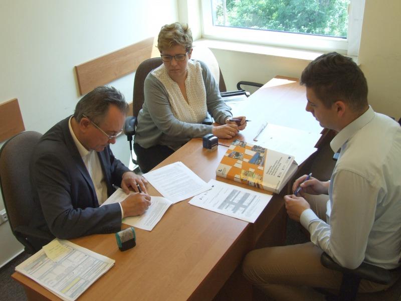 Podpisanie umowy - projekt Zagrajmy o przyszłość