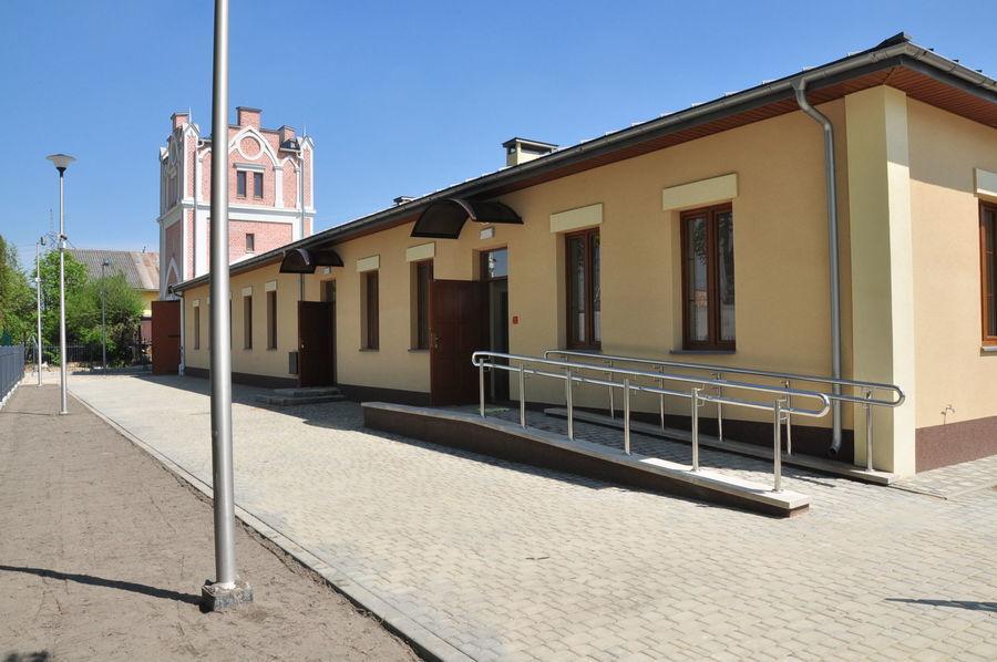 Zabytkowa XIX wieczna Brama Wieża ze Skansenem Wsi Głuseckiej.