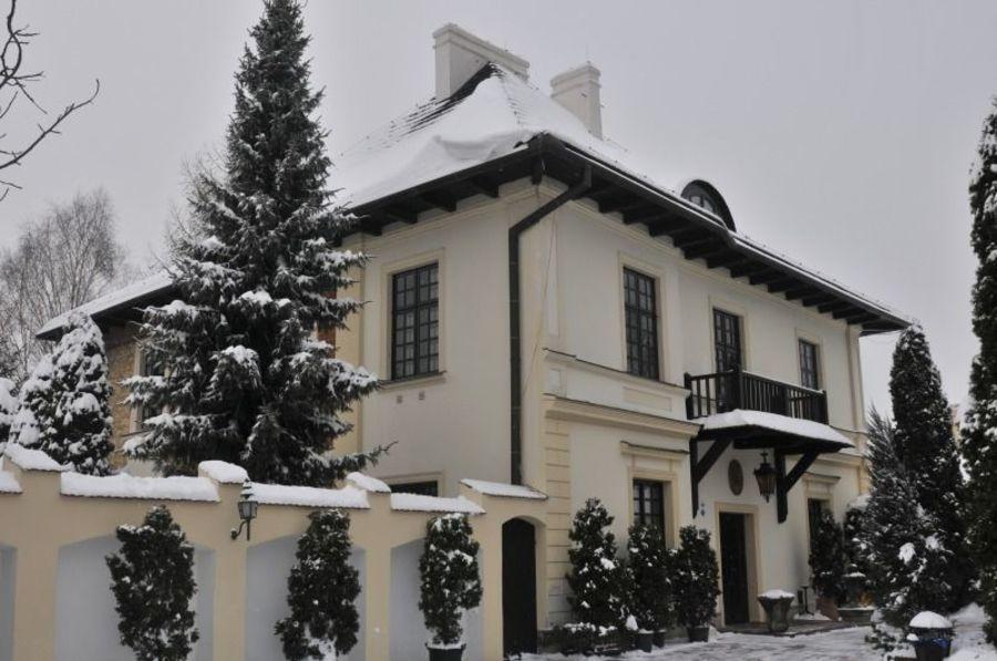 Dwór Anna w Jakubowicach Konińskich