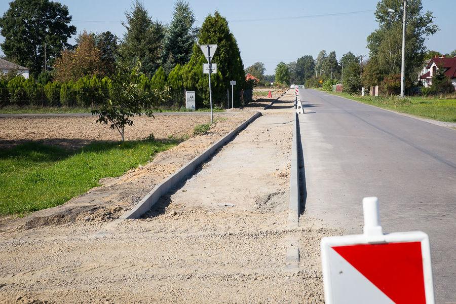 Na zdjęciu ścieżka rowerowa