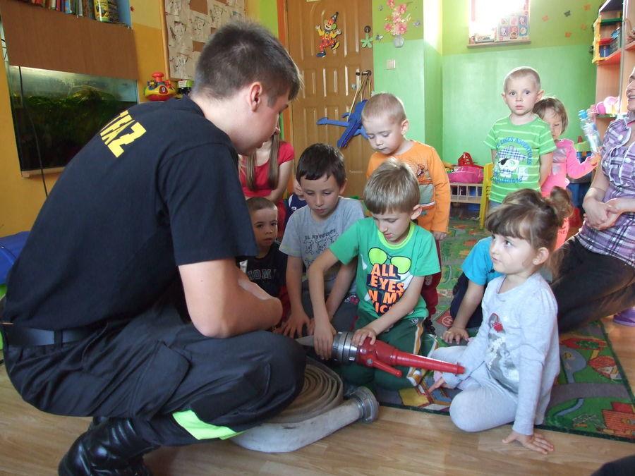 Na zdjęciu spotkanie z przedszkolakami