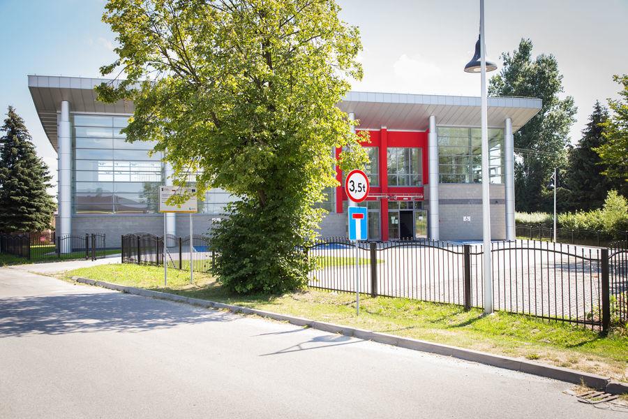Na zdjęciu obiekt kulturalno-widowiskowy w Parku im. Rodzin Budnych i Łosiów w Niemcach