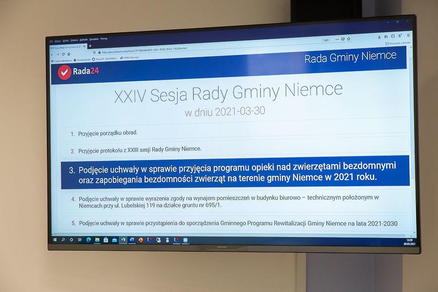 Na zdjęciu ekran przedstawiający porządek obrad