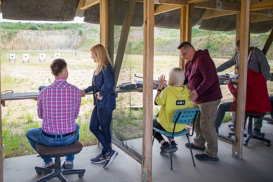 Spotkanie szkoleniowe na strzelnicy w Osówce