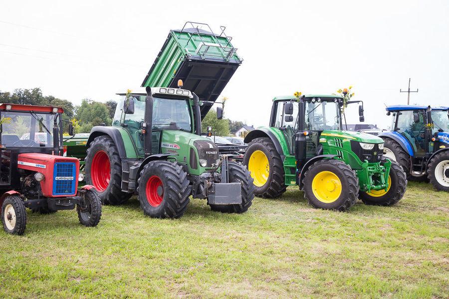Na zdjęciu wystawa sprzętu rolniczego