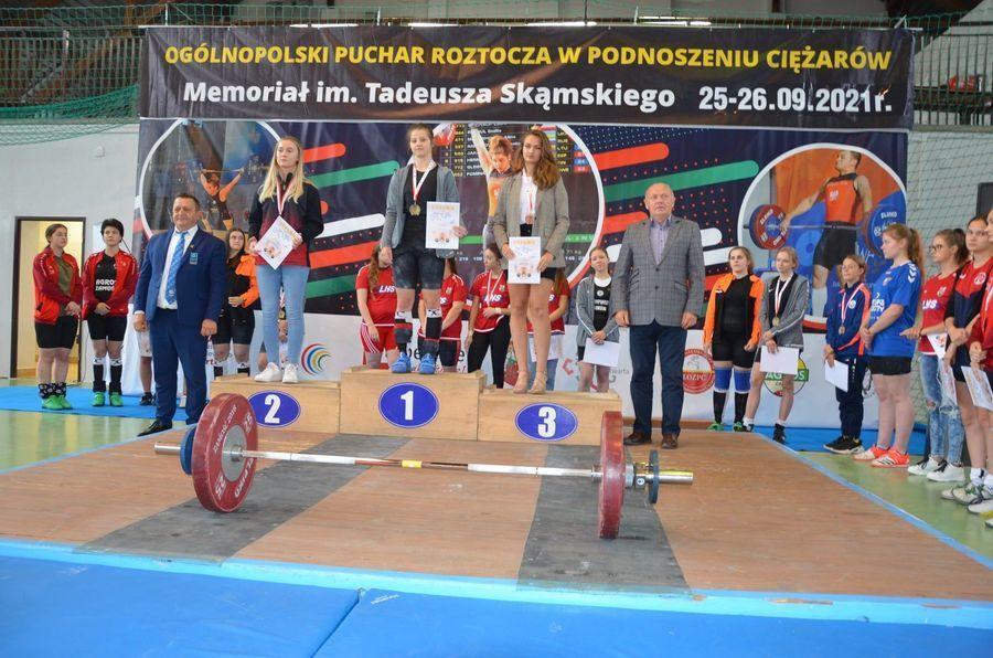 Na zdjęciu zawodniczki na podium