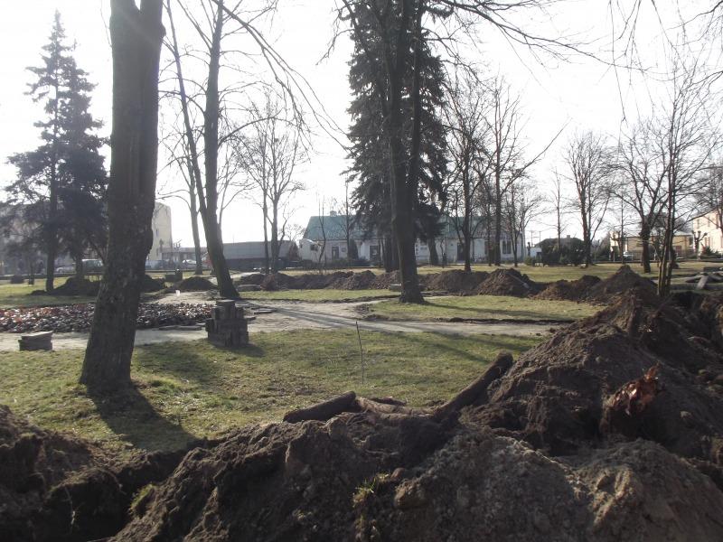 Prace w parku
