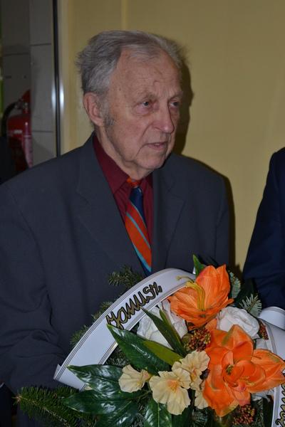 Odsłonięcie tablicy pamiątkowej poświęconej pamięci Janusza Karola Cyfrowicza