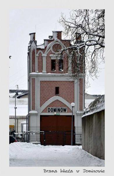 Brama WIeża w Dominowie