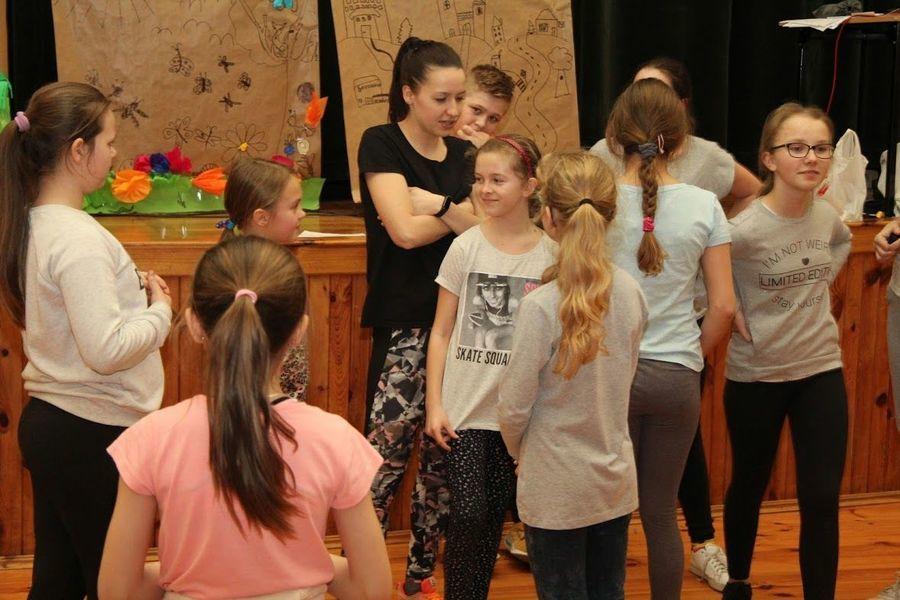 Zajęcia taneczne dla młodzieży (gr. starsza) w Domu Kultury w Markuszowie