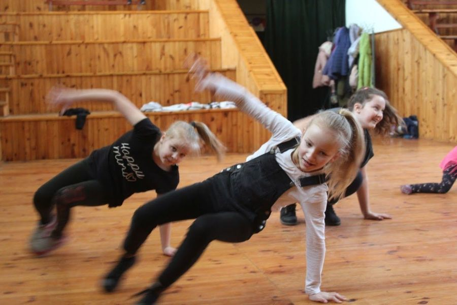Feryjne Zajęcia Taneczne - Disco Dance w Domu Kultury