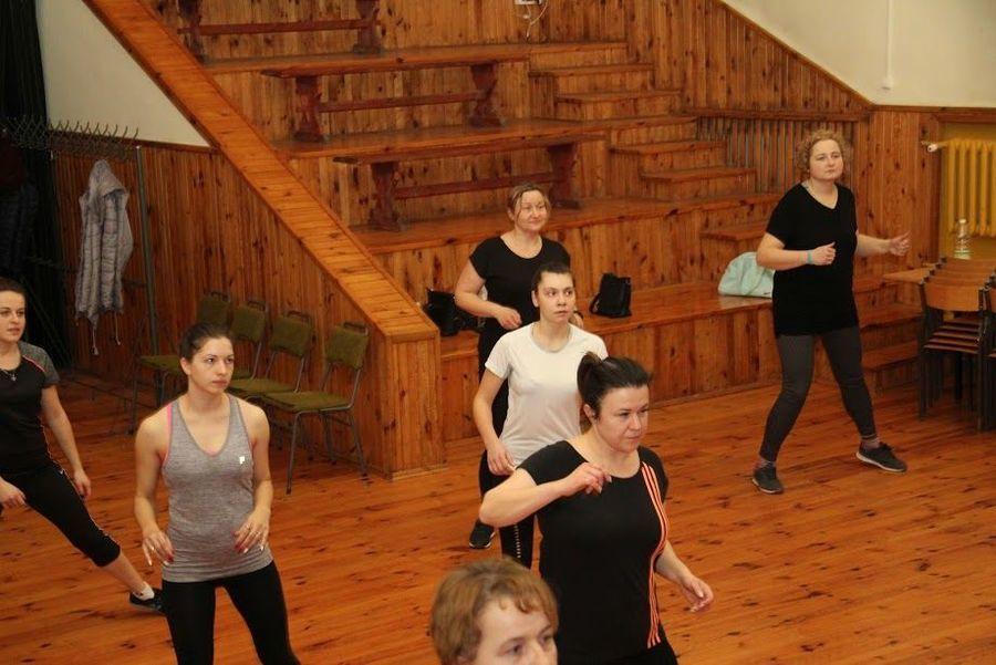 Aerobik i zumba w Domu Kultury w Markuszowie