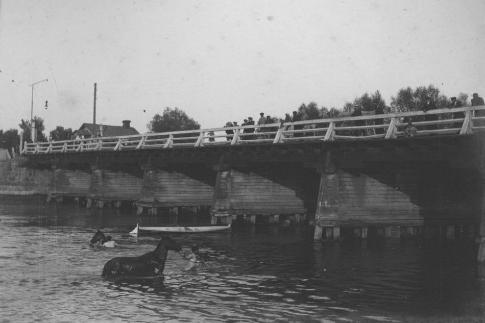 [MK/H/1695/009] Drewniany most na rzece Wieprz. Krasnystaw, lata 1914-1915.