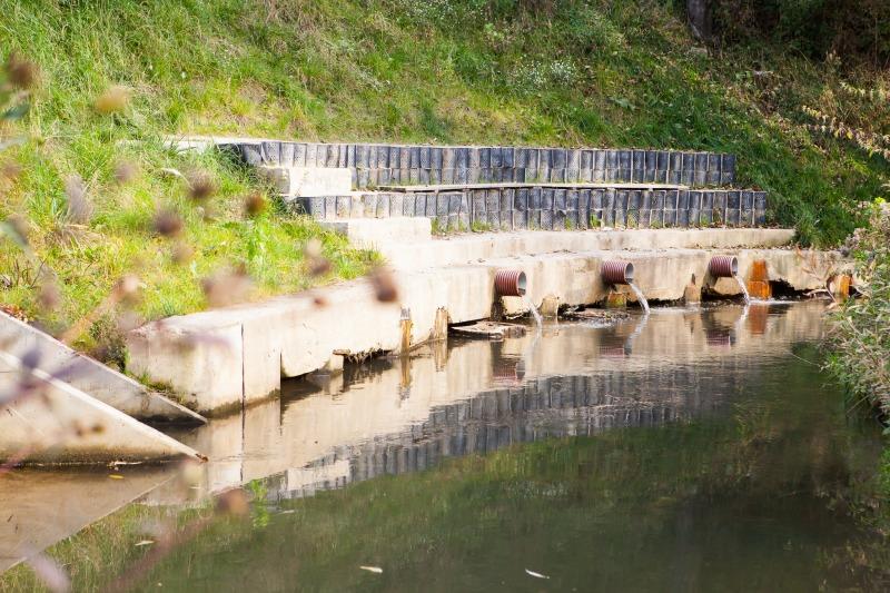 Zabezpieczenie skarpy rzeki Ciemięgi w m. Dys dla drogi gminnej nr 106047 L