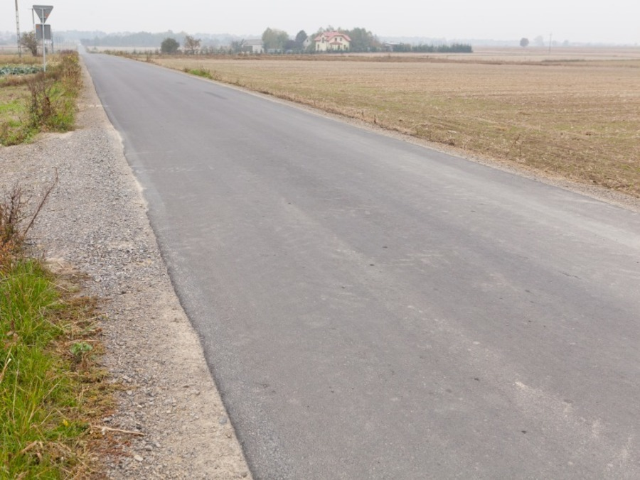 Przebudowa drogi 106049 L na dł. około 1741 m.