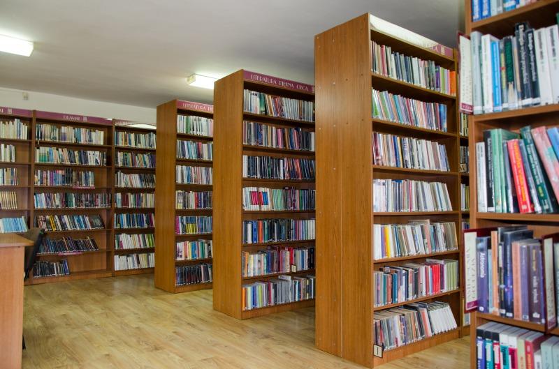 Przystosowanie części budynku starego przedszkola na bibliotekę w m. Niemce